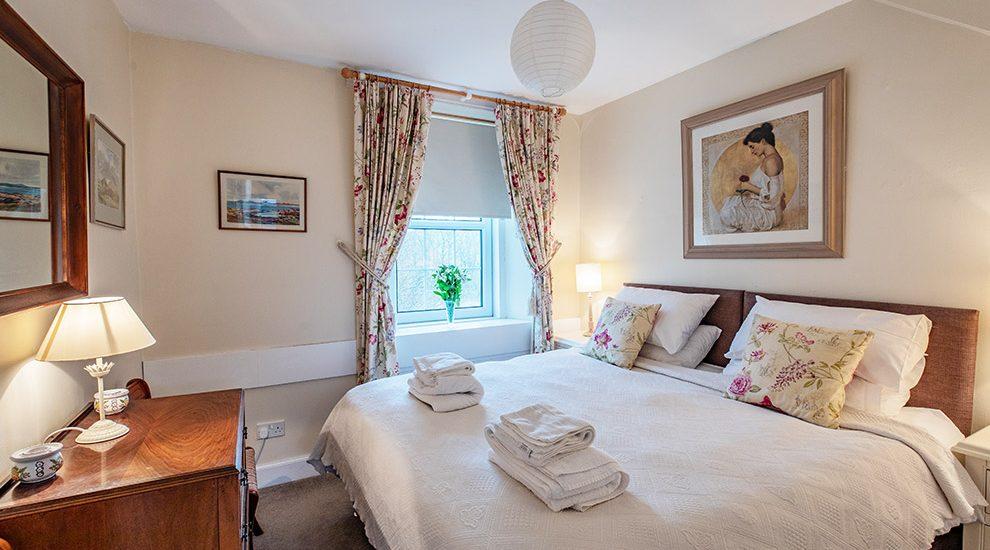 Bowismiln Cottage Double Ground Floor Bedroom
