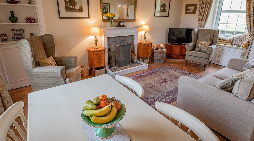 Bowismiln Cottage Livingroom